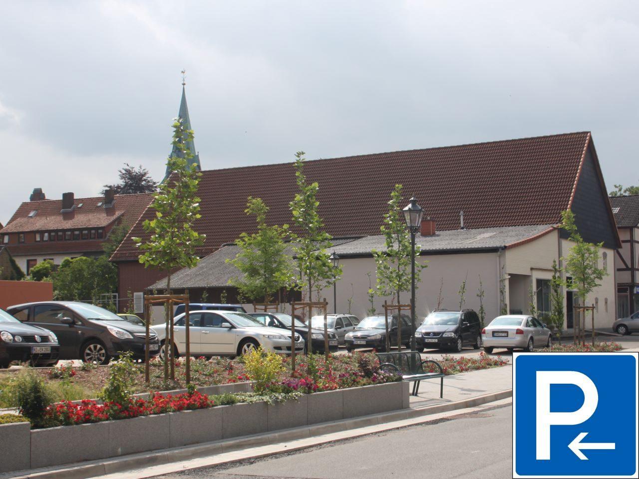 Parkplaetze_Markt-Apotheke_Lauenau